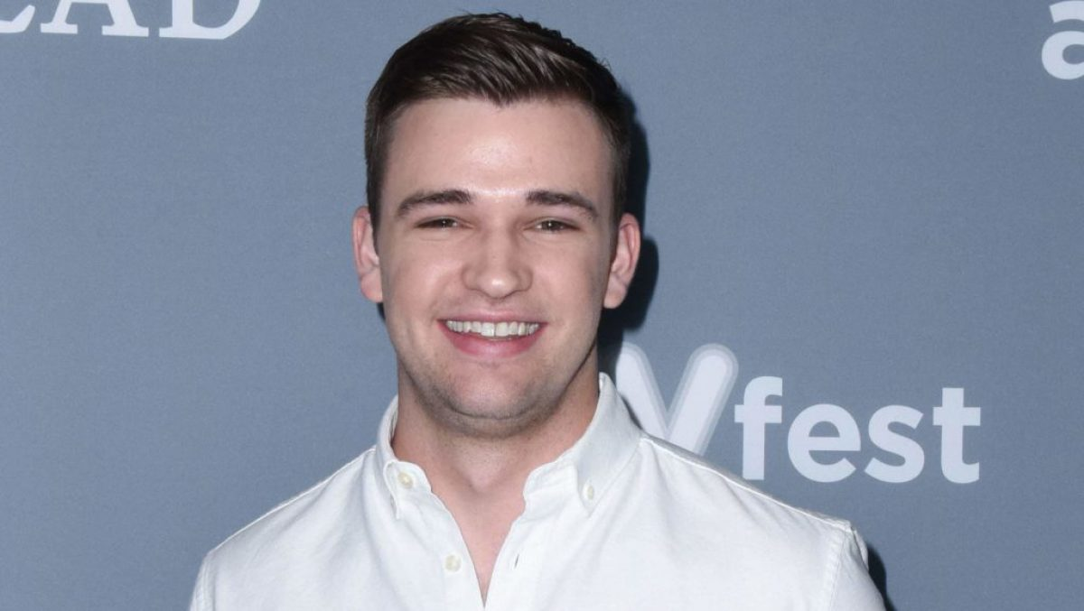 burcely duffield dating istorie)