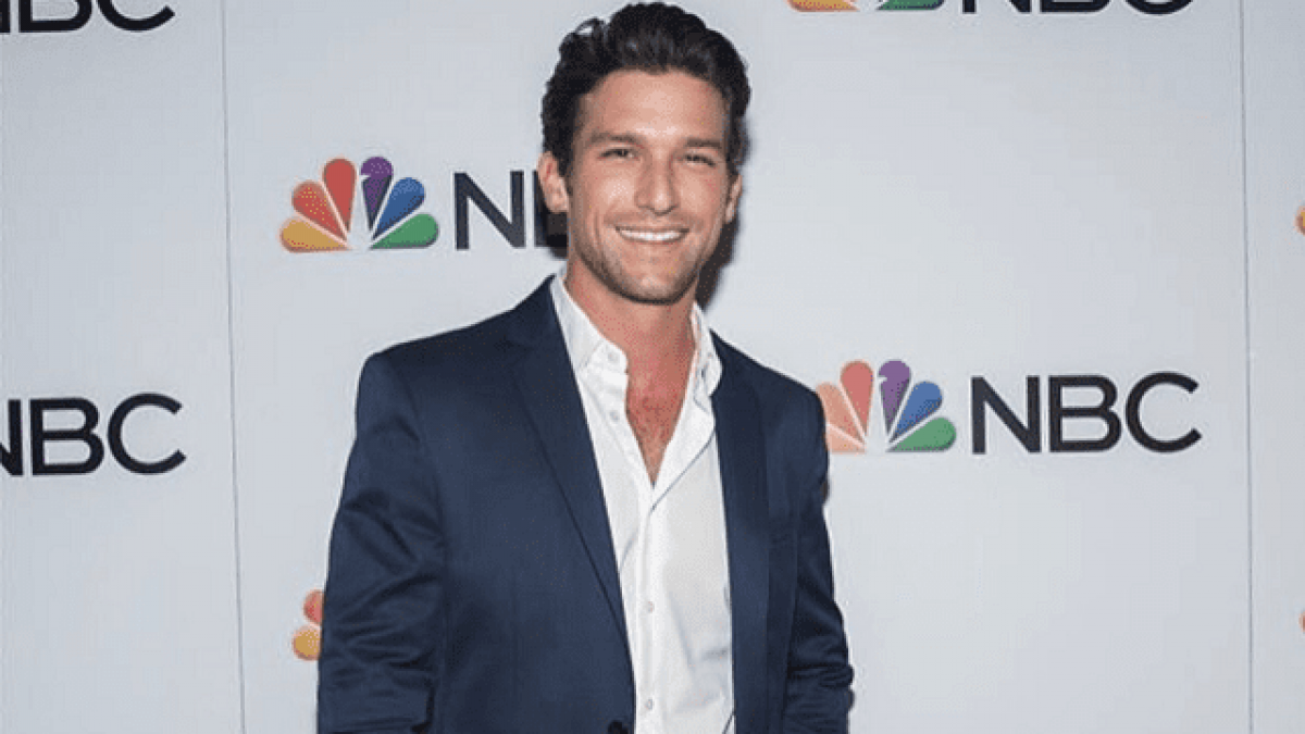 Daren Kagasoff Bio Girlfriend Married Age Height Net Worth Networth Height Salary His siblings are justin and natalie. bio girlfriend married age height