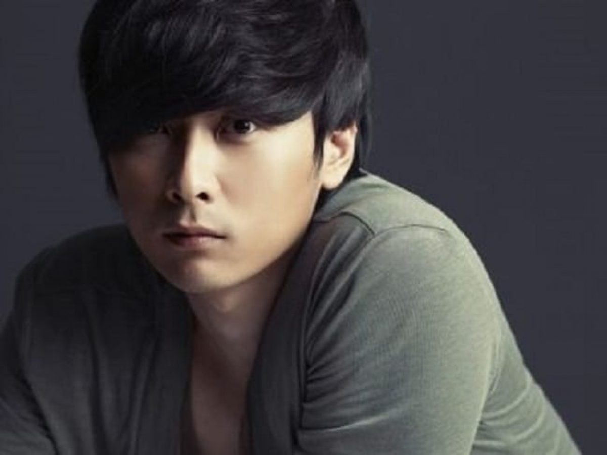 Min Kyung Hoon Biography Wife Family Height Age Networth Height Salary
