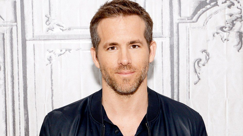 Ryan Reynolds Wife, Daughter, Brothers, Height, Kids, Gay ...